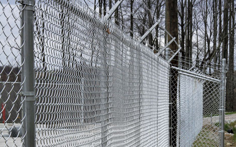 Commercial Industrial Chain Link Metal Aluminum Fence Posts Polls Back Stops